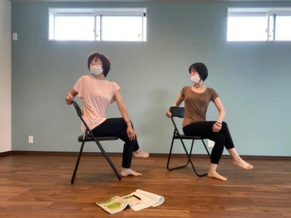 椅子ヨガ指導者講習 出張ヨガ癒しの種