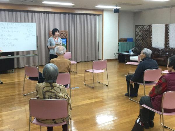 高齢者施設で心の防災ヨガ講座